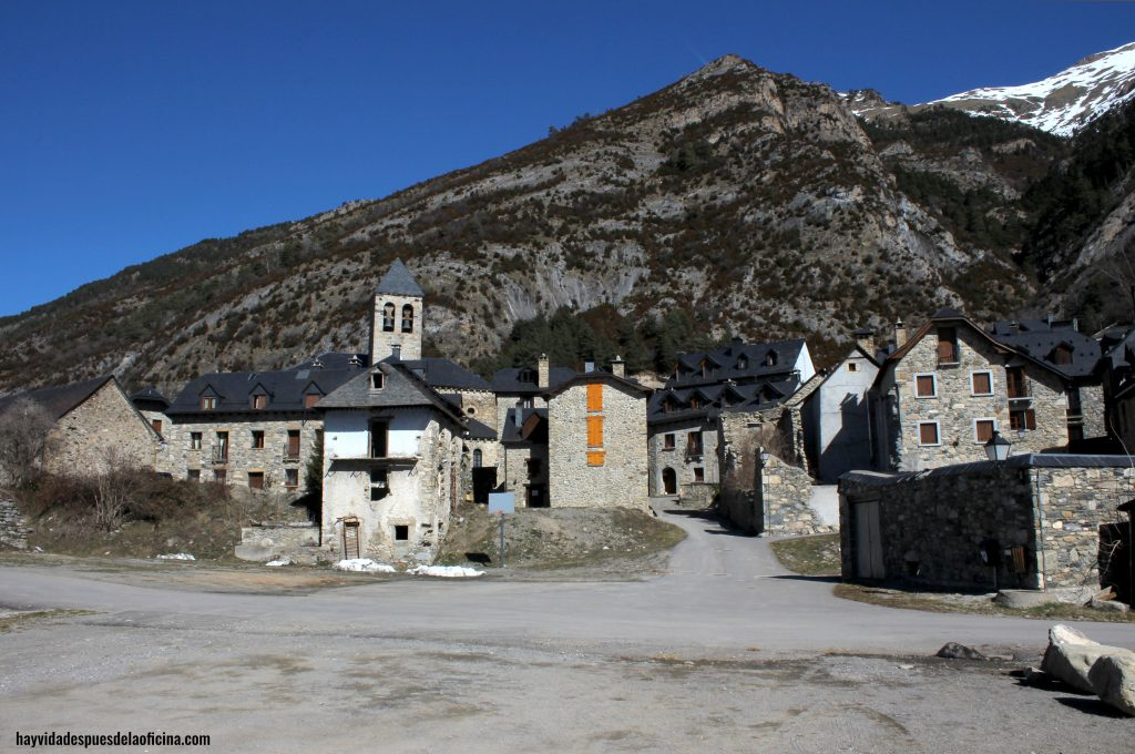 Excursión Valle de Tena y Canfranc - Hay Vida Después de la Oficina